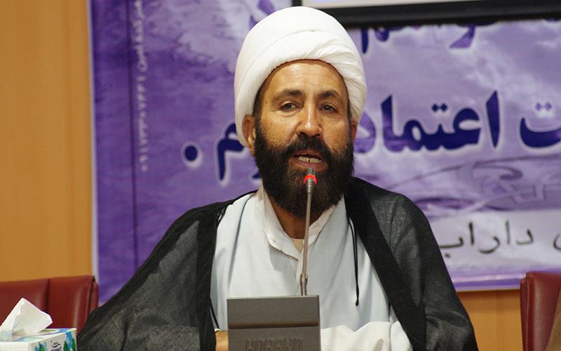 امام جمعه داراب خطاب به رئیس جمهور: استاندار  جدید فارس باید توانمند باشد و بدنبال گروه گرایی نباشد