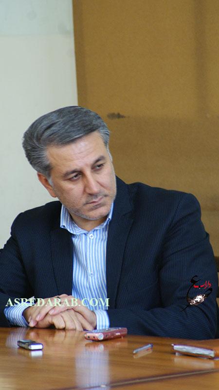 جلسه هم اندیشی اصحاب فرهنگ و هنر داراب با معاون مطبوعاتی مدیر کل ارشاد فارس برگزار شد