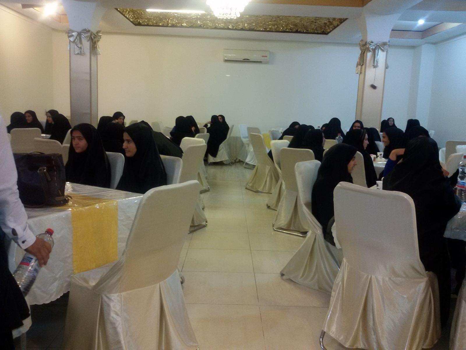 اطعام ۶۰دانش آموز در راستای طرح اکرام حسینی و اطعام حسینی بمناسبت ماه محرم