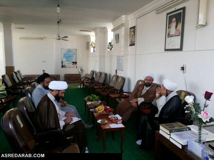 اولین جلسه هم اندیشی ائمه ی جمعه شهرستان ها ی داراب،زرین دشت برگزار شد