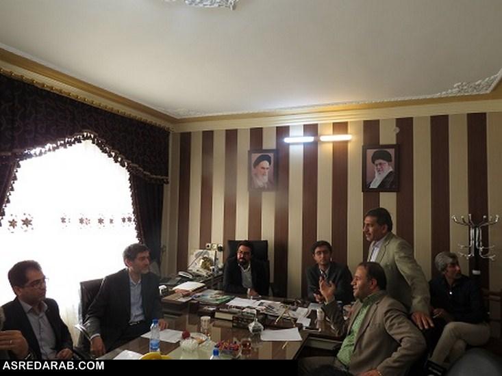 فرماندار داراب در جلسه با رئیس دانشگاه علوم پزشکی شیراز: در شهرستان داراب با کمبود پزشک متخصص مواجه هستیم