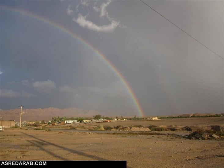 رنگین کمان زیبایی که پس از بارش باران در رستاق بوجود آمد