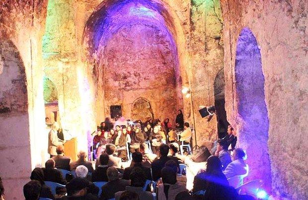 عصر شعر انجمن باران در بنای تاریخی مسجد سنگی برگزار شد