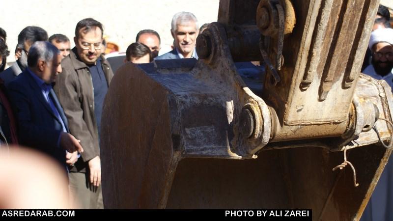 با حضور استاندار فارس: پروژه آب رسانی به شهرستان های داراب و زرین دشت آغاز شد