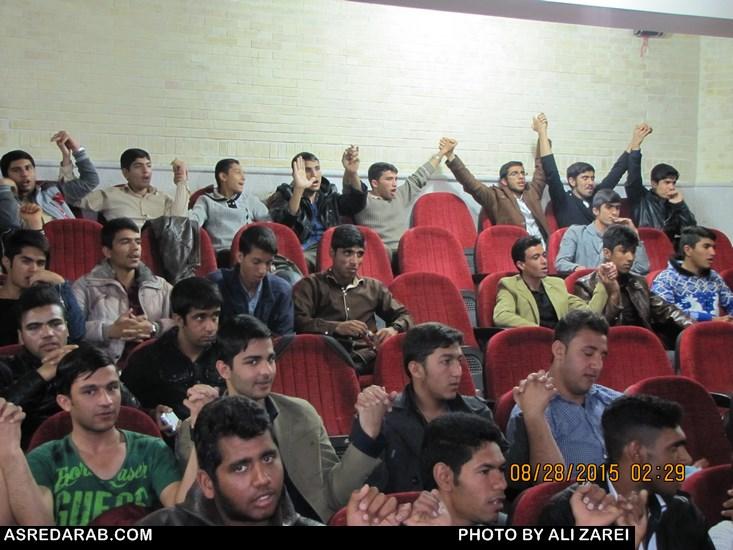 همایش رأی اولی ها با حضور بیش از ۶۰۰ دانش آموز  برگزار شد