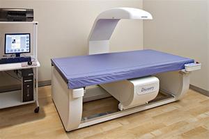 دکتر اسماعیلی:  بيمارستان  امام حسن مجتبى (ع) داراب  به پيشرفته ترين دستگاه تراكم سنج استخوان مجهز شد