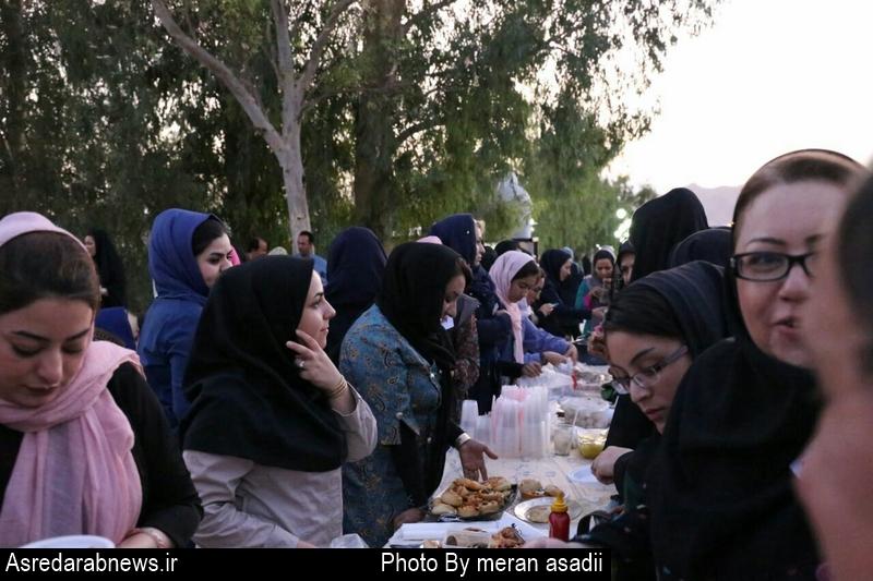 اولین جشنواره غذاهای خانگی با هدف کمک به بیماران خاص و کلیوی در داراب برگزارشد