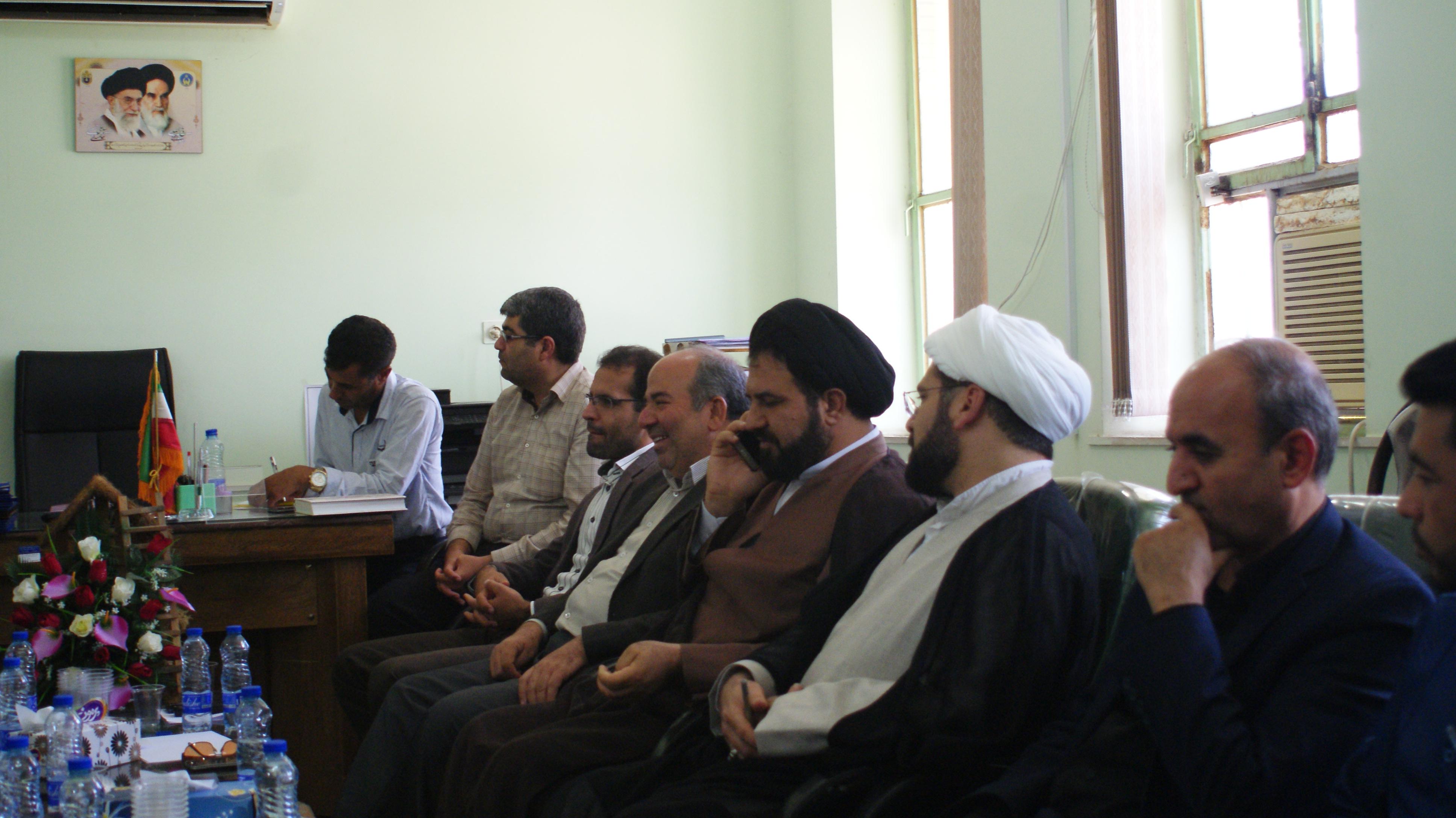 جلسه  پر تنش پیشگیری از تخریب منابع طبیعی  داراب با حضور مدیر کل منابع طبیعی فارس برگزار شد/ جاده تنگ کتویه تهدیدی برای شهر داراب  است