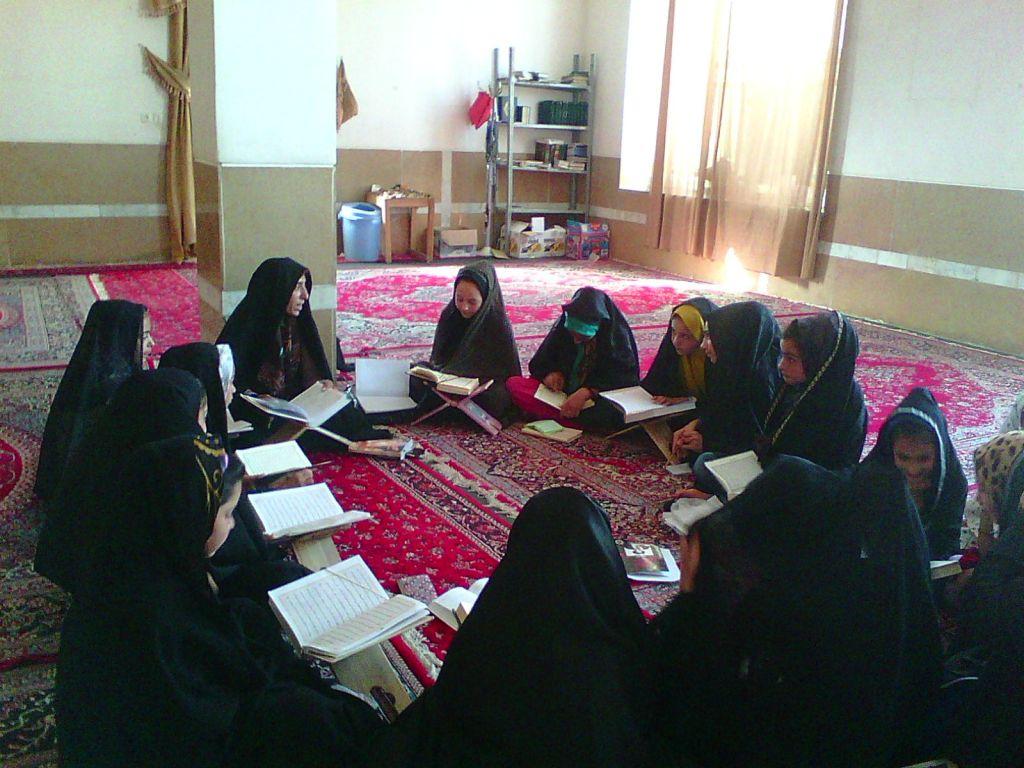 گوشه ای از فعالیت های کانون فرهنگی هنری حسن بن علی(ع) روستای هیربدان