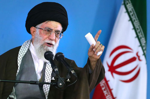 پیام رهبر انقلاب به کنگره جهانی حج: جهان اسلام گریبان حاکمان سعودی را رها نکند