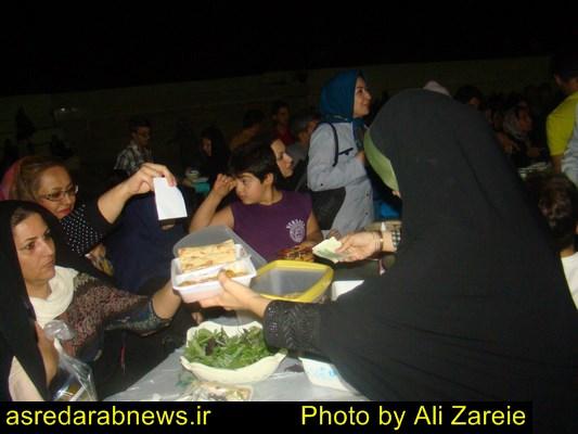 جشنواره فروش غذاهای خانگی  در داراب برگزار شد/ مهرورزی در آستانه ماه مهر