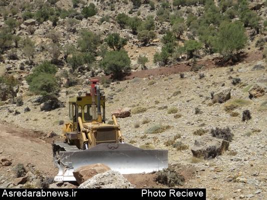 به دستور مقامات قضایی استان صورت گرفت؛ عملیات احداث جاده غیر قانونی تنگ کتویه داراب متوقف شد