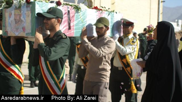 اولین شهید مدافع حرم داراب در جوار شهدای روستای بانوج آرام گرفت/ خانواده مرحوم رضایی به احترام شهید فرحبخش قاتل پدرشان را بخشیدند