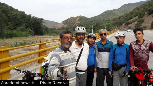 دوچرخه سواران دارابی مسیر تبریز تا  مشهد مقدس را  ۱۵ روزه  طی کردند