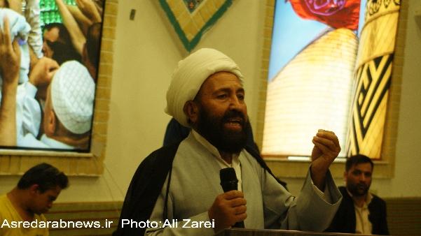 حجه الاسلام صادقی امام جمعه داراب: عدم نظار ت بر بازار مردم را فلج کرده است/ هیئات مذهبی باید سیاسی باشند