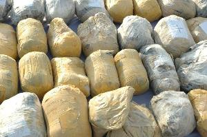 فرمانده انتطامی داراب خبر داد: كشف قریب به ۴تن مواد مخدر در داراب