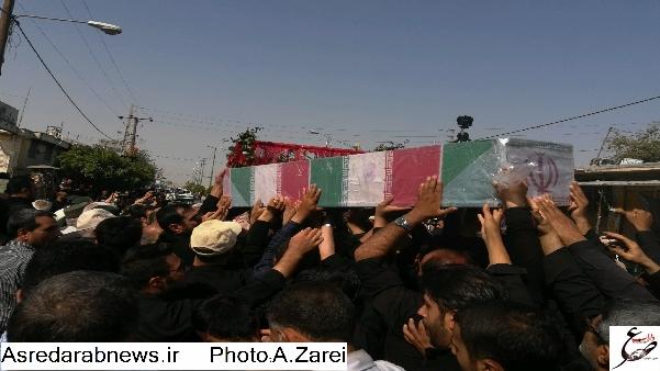 تشییع دو شهید گمنام در داراب و فدامی/  مردم شهر فدامی میزبان شهدای گمنام/گزارش تصویری