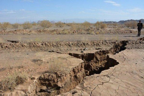 معاون بنیاد مسکن فارس:   ۱۰ هکتار زمین برای جابهجایی روستای کوه سفید داراب آماده شده اما بعضی از ساکنین تمایلی به جابهجایی ندارند