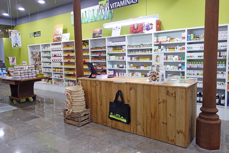 زاهدانی رئیس شبکه بهداشت و درمان شهرستان داراب مطرح کرد: اگر طب سنتی، طب کوچه و بازار باشد قابل کنترل نیست و ضرر می زند/نمک دریا و نمک کوهی تأیید شده نیستند