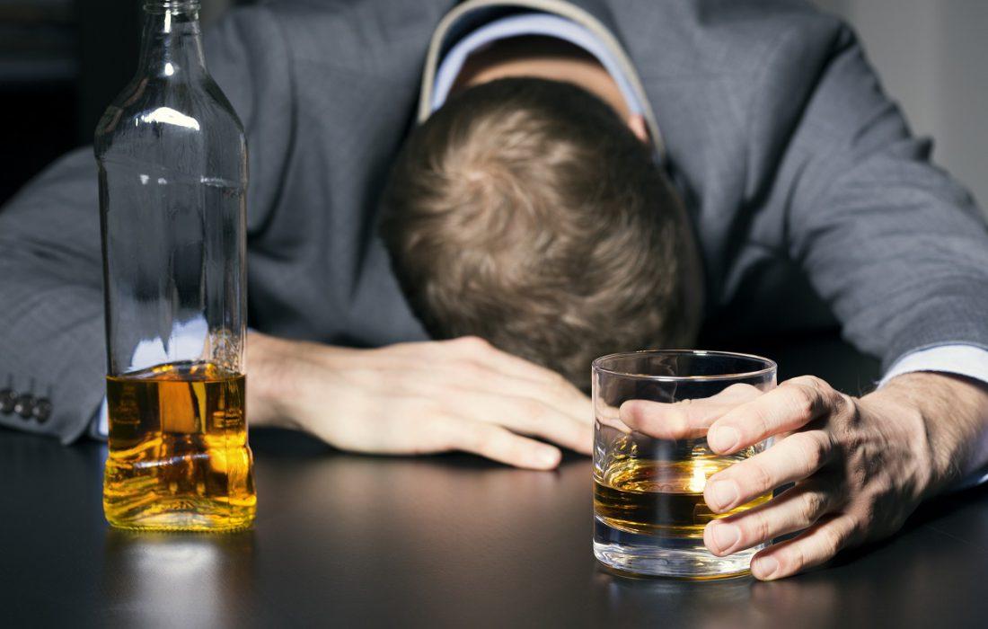 آسیب شناسی مصرف مشروبات الکلی