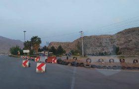به منظور جلوگیری از شیوع کرونا؛ مسیرهای ورودی داراب مسدود شد