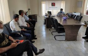 اعتراض جمعی از اعضای انجمن توسعه پایدار (حامیان) داراب به صحبت های مدیر کل راه و شهرسازی لار/ پروژه راه شیراز-فسا- داراب به  بندرعباس کوتاهترین  مسیر است