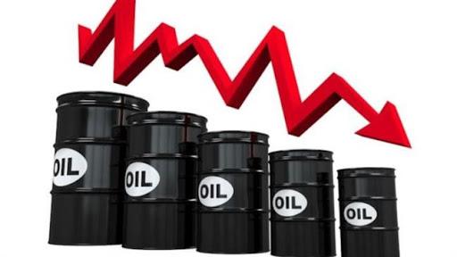 دولت بعدی باید پاسوز جبران زیانهای دولت کنونی شود/ سرمایه گذاری و خرید اوراق نفتی به صرف و به صلاح اقتصادی مردم با توجه به نرخ تورم نیست