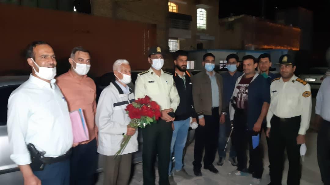دستگیری اعضای باند گروگانگیری در فارس/ بازگشت گروگان ۸۳ ساله دارابی به آغوش خانواده