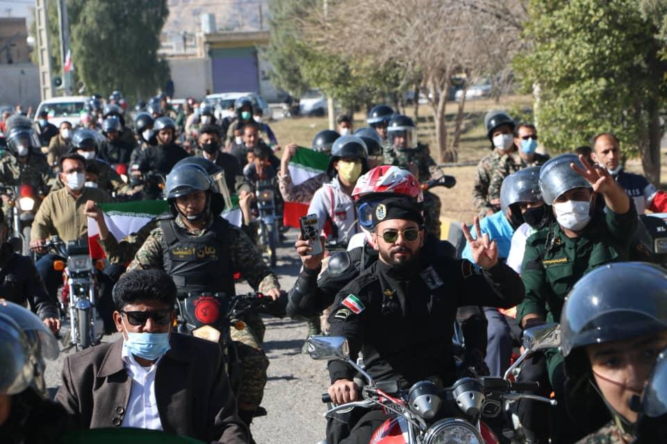 به مناسبت یوم الله ۲۲ بهمن؛ رژه با شکوه موتوری و خودرویی در شهرستان داراب برگزار شد