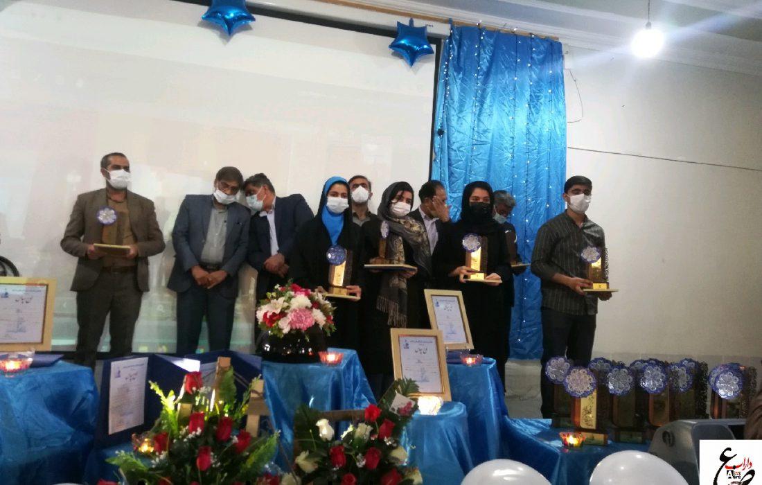 هفتمین جشنواره ستارگان علمی داراب با هدف تجلیل از نخبگان کنکور ۹۹ برگزار شد